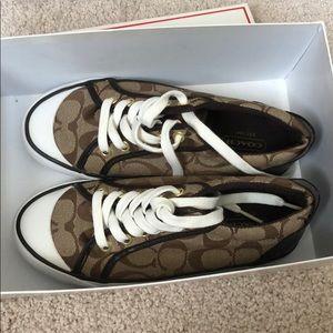 Coach Barrett 2 khaki/ chestnut sneakers size 5